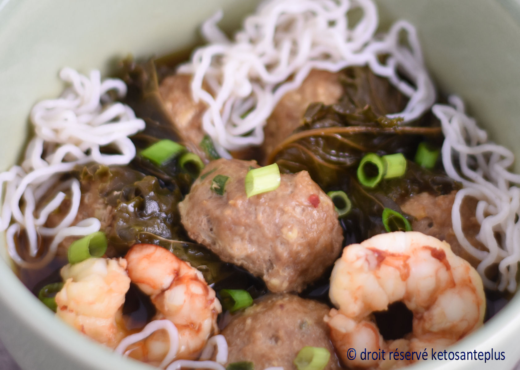 Soupe won-ton keto