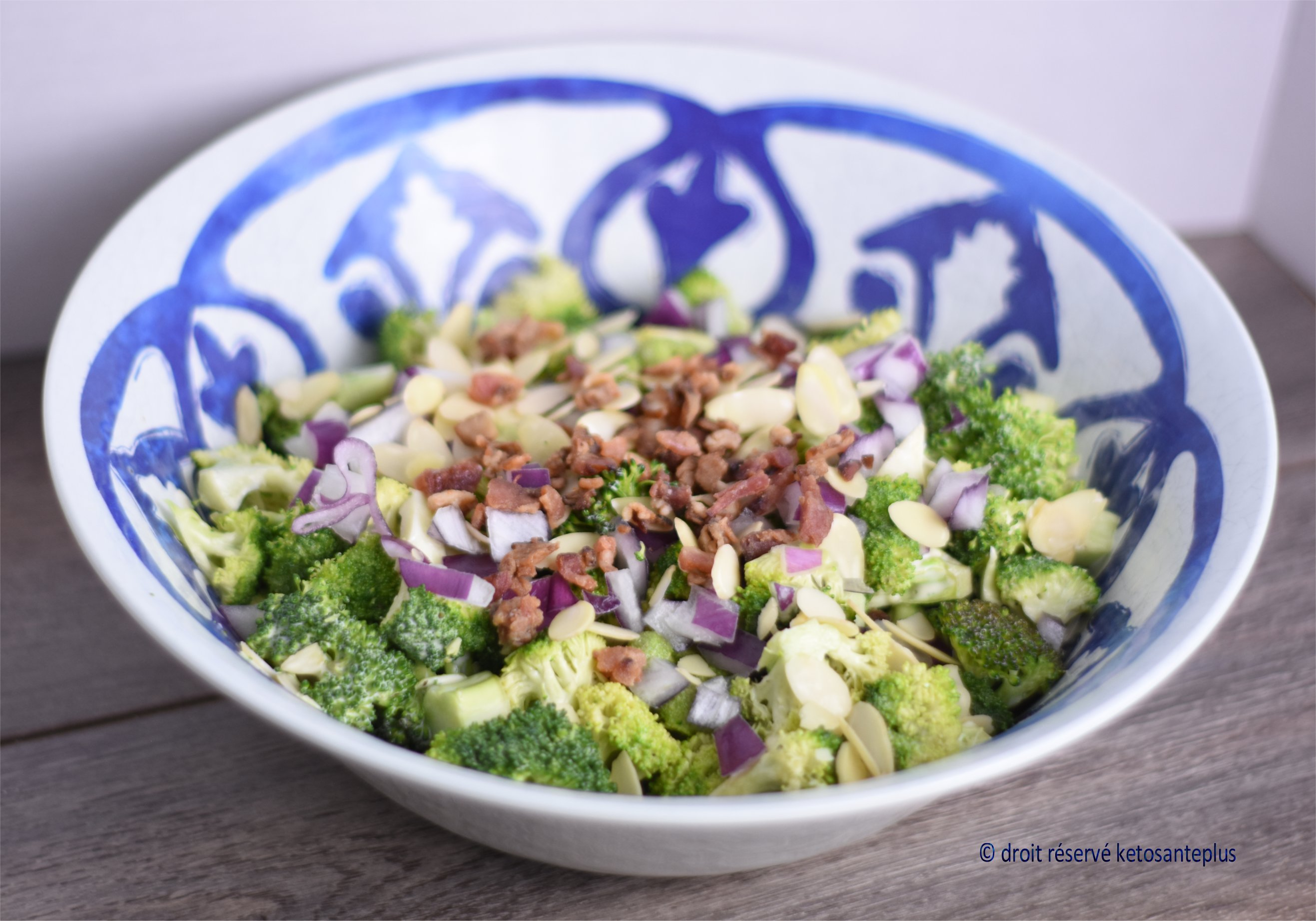 Salade de brocoli keto